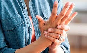 Las mujeres más propensas a la artritis reumatoide