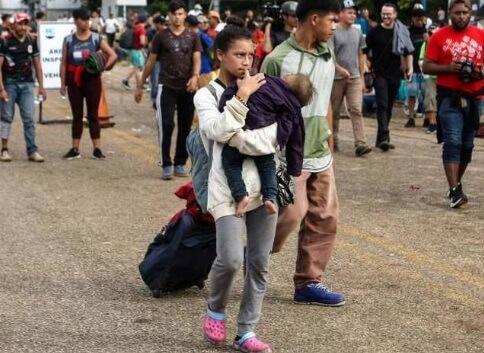 Migrantes de Honduras planean dos caravanas hacia EU pasando por México